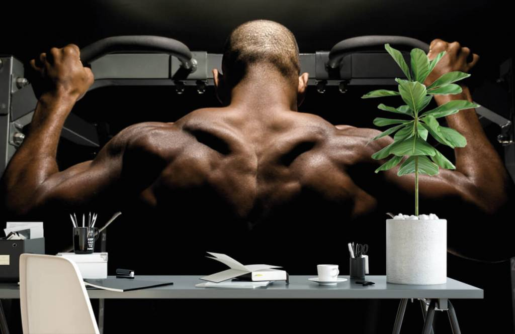 Fitness - Homme au dos musclé - Garage 1