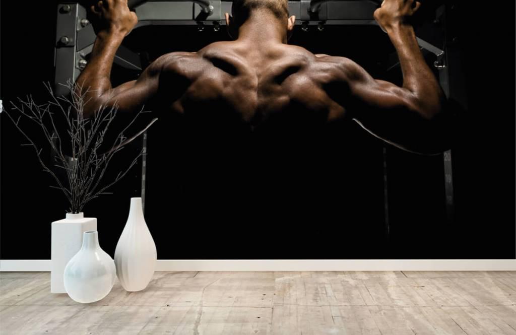 Fitness - Homme au dos musclé - Garage 7