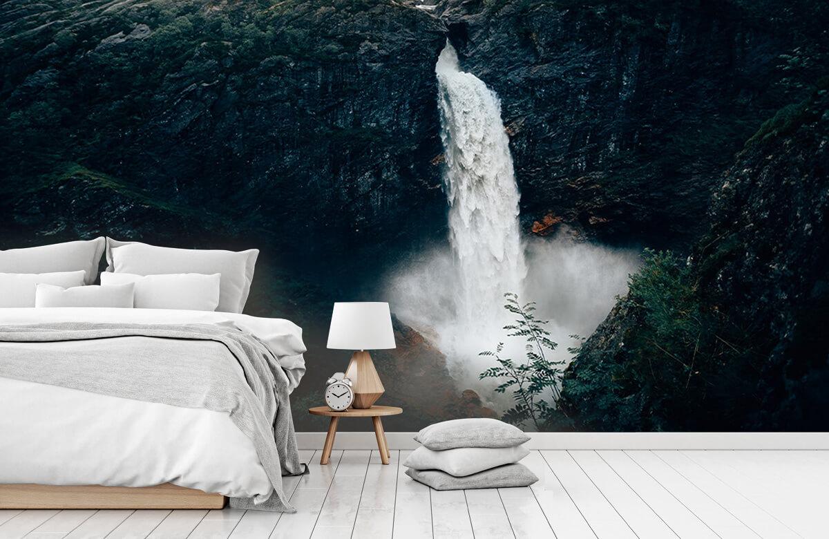 Wallpaper Une impressionnante chute d'eau 2
